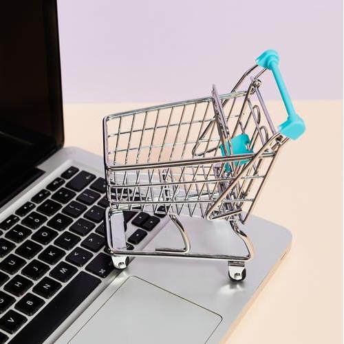 Zakup materaca przez Internet - czy to bezpieczne?